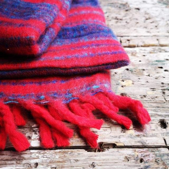 blauw ~ rood - omslagdoek ~ meditatiedeken